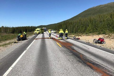 Nødetatene rykket ut da to motorsykler var involvert i en trafikkulykke torsdag ettermiddag.