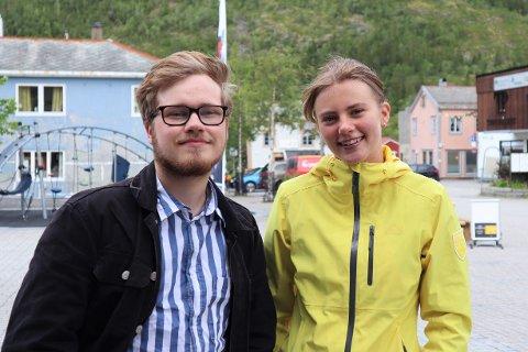 AMBASSADØRER: Håvard Valstad og Nora Thrana-Isaksen er håndplukket av Bodø 2024 for å vise frem Mosjøen.