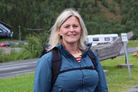KRITISK: Daglig leder for Orkdal Trafikkskole, Monica Burø Helsø, er lite fornøyd med hvordan Statens vegvesen takler situasjonen.