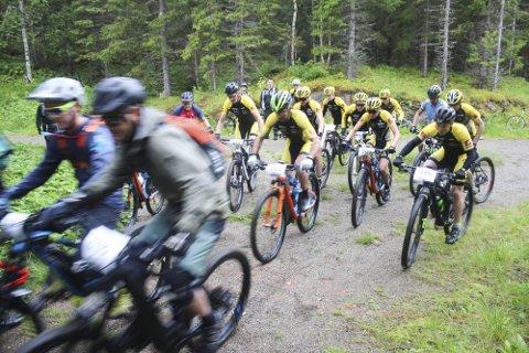 FULL FART: I helga er det igjen klart for sykkelritt i Mosjøen. Yngvar Hansen forteller at det kommer deltakere også utenfra Vefsn, men at det er plass til mange flere.