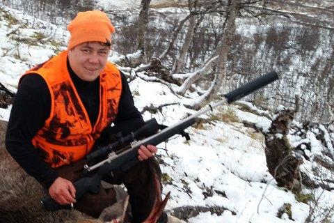 JAKTLEDER: Jaktleder Morten Blien fra Tana er en av de heldige elgjegerne i år. Han og laget er trukket ut for å jakte elg i Tana felt 49,  Rustefjelbma. Dette bildet er fra en tidligere anledning.