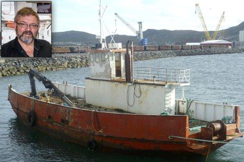 Ferga Domen: Domen ble i fjor Høst hogget opp av Hammerfest Havn KF. Havnedirektør Per-Åge Hansen (innfelt) er nå politianmeldt av båteieren.
