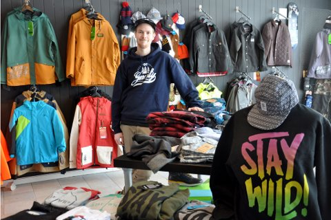 KLARTE SEG IKKE: Verdens nordligste snowboard- og skateboardbutikk klarte seg i underkant av to år. Etter noen døde år grep tingretten inn og oppløste selskapet til Mads Dyrstad. Arkivbilde.
