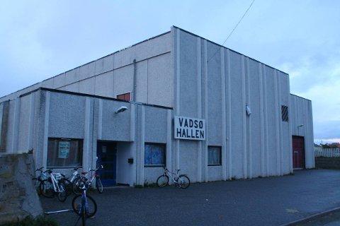 UTVIDES: Politikerne har sagt ja til at Vadsø kommunale eiendomsselskap kan gå i gang med utvidelse av Vadsøhallen.