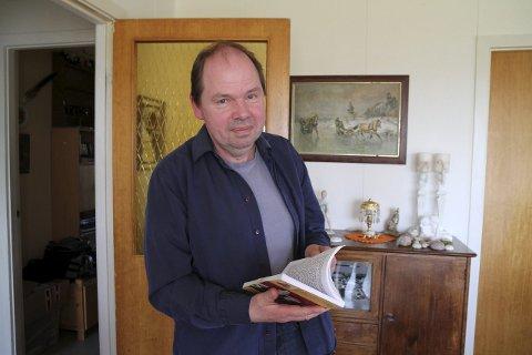 VIL FORMIDLE: Han har aldri vært så opptatt av det skrevne ord, Gustav Koi, men da det kom til formidling av diagnosen Aspergers syndrom, så han ordene som det beste midlet. Nå er han snart klar med sin tredje bok.