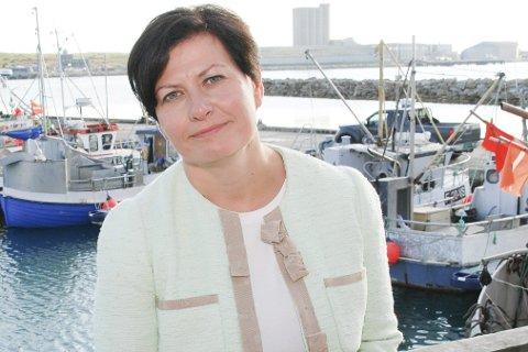 BEDRE VERN: Helga Pedersen forklarer at grunnlovsfesting om fiskerettighetene vil gi langt bedre vern for å stoppe tilfeldige endringsønsker fra for eksempel en fiskeriminister.Foto: Alf Helge Jensen