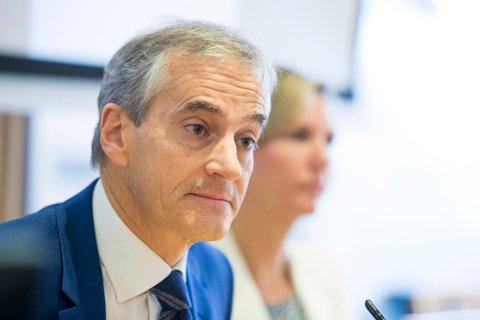 FEIL SVAR: Leder for Arbeiderpartiet, Jonas Gahr Støre, mener det er feil svar å gi opp pliktsystemet for norske torsketrålere. Torsdag la Ap fram en plan for akivitet og utvikling i hvitfisknæringen i Norge.