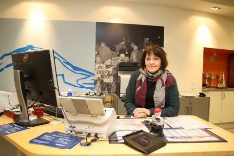 BLIR PENSJONIST: Etter 45 år i banken ønsker Gunn May Olsen å prøve noe nytt. Hun skal bli pensjonist.