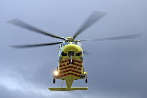 LIKE GODT: Reponstiden skal bli like god etter at det sivile ambulansehelikopteret overtar i midten av juli, lover helse- og omsorgsminister Bent Høie (H).