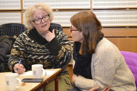 DUO I TENKETANKEN: Bente Haug og lokalpolitiker Ragnhild Aslaksen (Ap) samtalte fram ideer til hva det nye museet burde by på i framtiden. Haug ønsker seg en intellektuell varmestue.