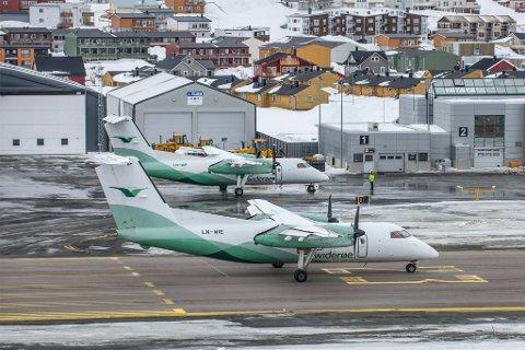 VENTER PÅ SJEF: Avinor har fått ni søkere på stillingen som lufthavnssjef ved Hammerfest lufthavn.