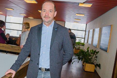 IKKE BLID: Gunnar Lillebo er mektig forbannet over ikke å kunn få bruke bil gjennom Porsangmoen leir til skytefeltene som også har en rekke gode fiskevann.