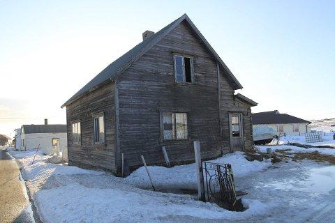 Sommerhus: Selv om man ikke kan bo i dette Varangerhuset, må eierne betale skatt av det som av kommunen blir beskrevet som sommerhus.foto: Henriette baumann sand