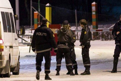 I månedsskiftet november/desember praktiserte politiet såkalt fremskutt grensekontroll, og stoppet asylsøkerne allerede ute ved bommen på Storskog.