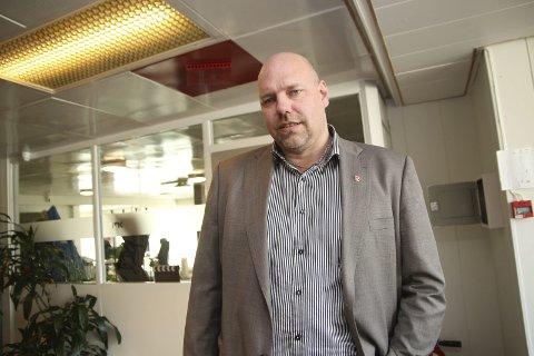 FORBANNA: Ordfører i Vadsø, Hans-Jacob Bønå reagerer sterkt på vurderingene om nedbemanning som nå gjøres i NRK.