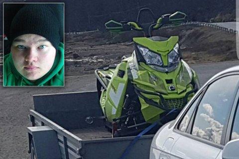 STJÅLET: Denne scooteren av type Ski-Doo Freeride 800 2015-modell er meldt stjålet. Bildet er tatt ved en annen anledning. Bildemontasje. Foto: Privat