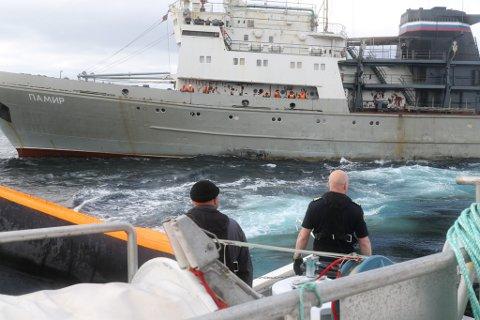 Øvelse i havet utenfor Vardø.