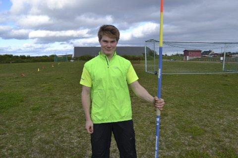 VIL SATSE PÅ IDRETTEN: David bruker mye tid på både friidrett og karate. Han vil bruke Ulvangstipendet for å gå på Wang toppidrett skole og utvikle seg.
