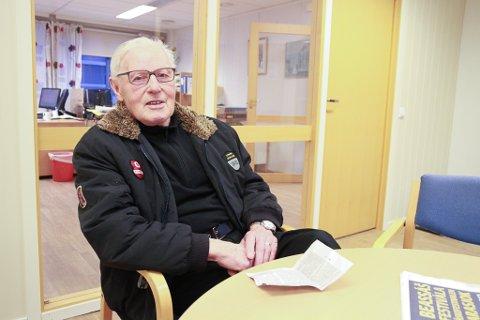 MANGE MINNER: Håkon Erling Jomisko (85) vokste opp med tyske soldater som nære naboer da han var ung gutt på Høyvik utenfor Vadsø. Minnene er det fortsatt mange av.