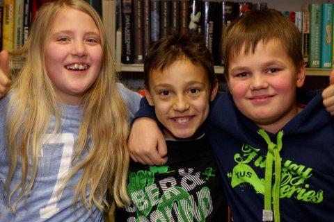 Får beholde tilbudet sitt:  Tiril Bønå (10)(t.v.), Lubo Ptrov (10) og Steffen Iversen (11) går på teater og venter nå på at ny lærer skal ansettes slik at de kan begynne igjen.