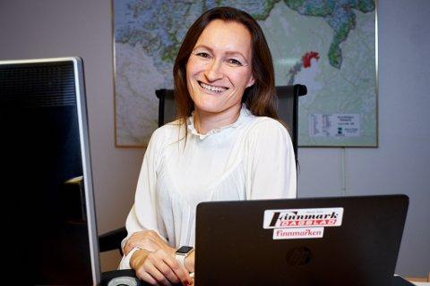 SANG TIL SALG: Hege Nilsen er glad for at hun har fått jobben som mediekonsulent i Finnmarken. Nå flytter hun tilbake til Vadsø, fra Alta for å starte i jobben.