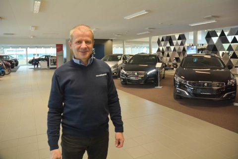 IKKE FERDIG: Ole Steinar Østlyngen åpnet på tirsdag den nye delen av Alta motorsenter. Neste gang er det verkstedet som skal få seg et løft.