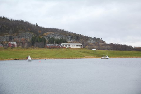 RIVES: Disse bygningene til tidligere Jansnes psykiatriske sykehjem i Talvik skal rives og saneres.