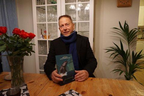 FORFATTER: Roald Larsen