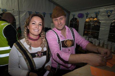 FESTIVALPAR: Stian Labahå er hele Kirkenes' festivalgeneral. Han står bak Grenseløsfestivalen som har bragt inn rundt 3000 gjester hvert år de siste seks årene. Han forteller at festivaljobbingen til tider går utover familielivet, der to barn og en samboer er hovedpersonene. Samboeren Lise Aspen er likevel en god støtte å ha, både i festivalplanlegging, og på hjemmebane.