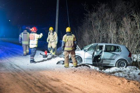 FYLLEKJØRTE: Den berusede sjåføren kom inn i en rundkjøring i Lakselv i altfor stor fart, og mistet dermed kontroll over personbilen. Bilen gikk rundt i luften før den landet i en grøft, og passasjeren ble alvorlig skadet som følge av ulykken.