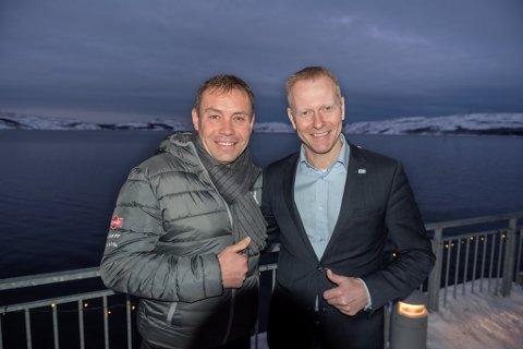 Møte mellom Arctic Race, det russiske sykkelforbundet, politikere fra Murmansk fylke m. fl. om etappe fra Murmansk til Kirkenes. Her president Vjatsjeslav Jekimov i det russiske sykkelforbundet sammen med Knut-Eirik Dybdal i Arctic Race.