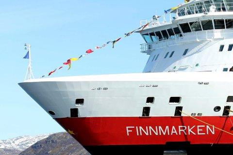 RENGJØRES: MS «Finnmarken» vaskes ned etter utbrudd av omgangssyke. Illustrasjonsfoto: Amund Trellevik