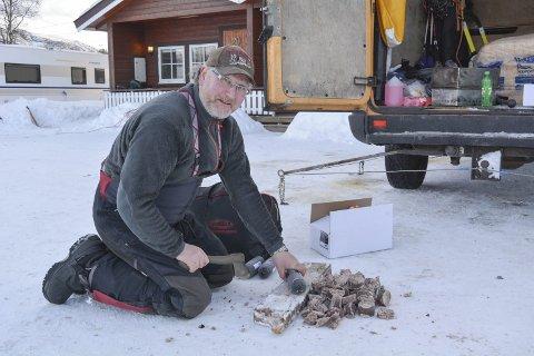 Dag Torulf Olsen i aksjon: Hammerfestingen er ikke ferdig med hundekjøring, men han lar sønnen ta over stafettpinnen i konkurransene.