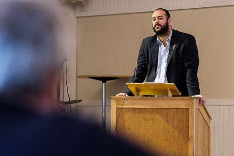 SKUFFET: Farid Shariati er skuffet over manglende reaksjoner etter at nettsteder som Frieord omtalte mobbe-sak i Vadsø.