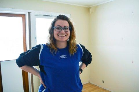STARTER EGET: Cathrine Opgård Thomassen starter nå egen frisørsalong hjemme, etter å ha jobbet som frisør i minst 13 år.