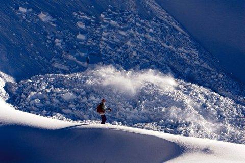 SKREDFARE: Den minste lille vibrasjon kan utløse snøskred nå. Illustrasjonsbilde.