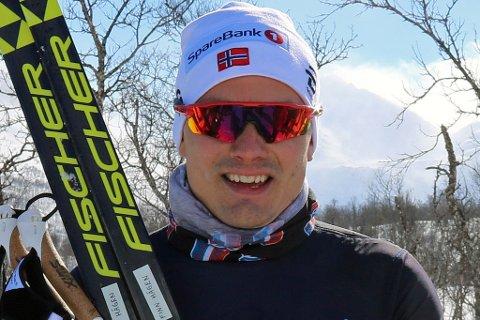 VINNER: Finn-Hågen Krogh slo sterkt tilbake etter en skuffende sprint og vant mennenes 30 kilometer i Skandinavisk Cup lørdag. Foto: Odd-Georg H. Benjaminsen.