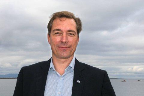 «HÅPLØST»: EØS- og EU-minister Frank Bakke-Jensen (H) går kraftig i rette med regjeringskollega Fremskrittspartiet, som ønsker å reforhandle deler av EØS-avtalen.
