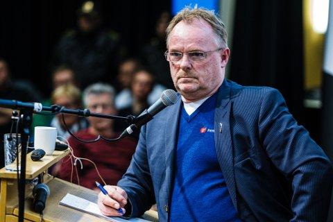 FIKK IKKE E-POST: Kommunikasjonssjefen i Norske Sjømatbedrifters Landsforening (NSL) trodde han sendte epost til fiskeriminister Per Sandberg (bildet), men mailene havnet i stedet hos en privatperson.