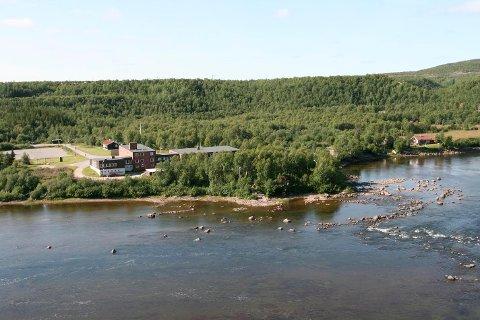 STOR VERDI: Fossheim skole har det stor verdi for bygda, skriver innleggsforfatterne.