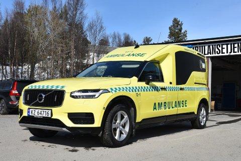 VIDUNDERET: Her er den nye ambulansebilen. Den er den første av sitt slag i nord.