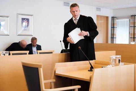 SPURTE: Aktor Torstein Lindquister spurte tiltalte om han hadde vært inne og sett på en tråd på et chatteforum som omhandlet å drepe sin thaikone.