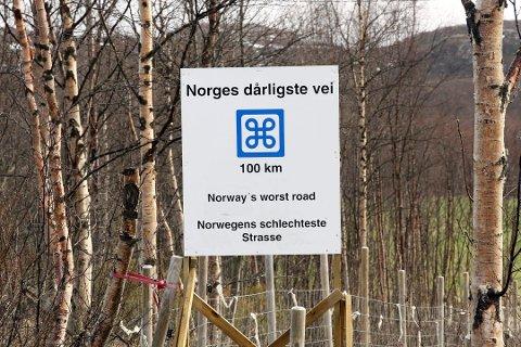 KLAR BESKJED: Dette skiltet ble satt opp på fylkesvei 885 utenfor Kirkenes i 2014.