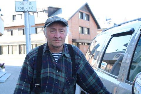 SATT I BILEN: John Ottar Eriksen og samboeren var nære på 20 kilo dynamitt. Bildet er tatt ved en tidligere anledning.