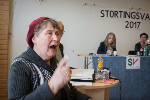 MISFORNØYD: Elsa Ingilæ Haldorsen er på ingen måte fornøyd med jobben Varanger museum har gjort med å bevare kulturskattene på Bugøynes.