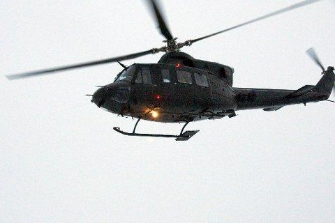 MED I AKSJONEN: To Bell-helikoptre fra Bardufoss er satt inn i leteaksjonen. Klokken 8 ble de satt i lufta etter å ha vært i Breivikbotn. Bildet er tatt ved en tidligere anledning.