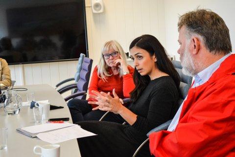 STILLER KRAV: Hadia Tajik og Ap stiller krav til ilandføring på Veidnes. Her med Ingalill Olsen og John Erik Pedersen i Finnmark Ap ved en tidligere anledning.