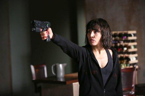 MANGE ROLLER: Noomi Rapace spiller syv ulike karakterer i «What Happened to Monday?». Filmen har hatt kinopremiere i Frankrike, og der har den tittelen «Seven Sisters».