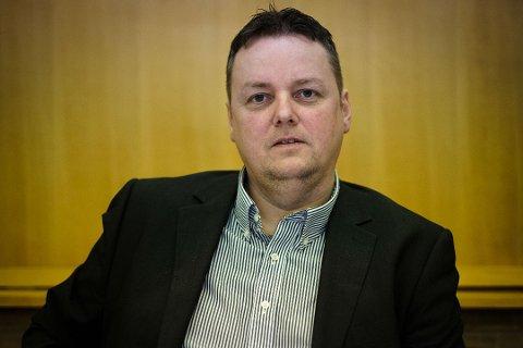 SKUFFET: Rune Sjåstad er skuffet over resultatet fra valget. Han mener Arbeiderpartiet må gjøre en bedre jobb neste gang. Foto Ole Gunnar Onsøien.