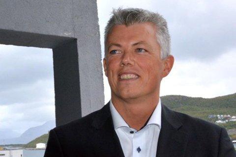 SKAL EVALUERE: Finansdirektør i Statoil, Hans Jakob Hegge (t.h.) sier de skal evaluere sommerens boreprogram i Barentshavet. Bildet er tatt ved en annen anledning.